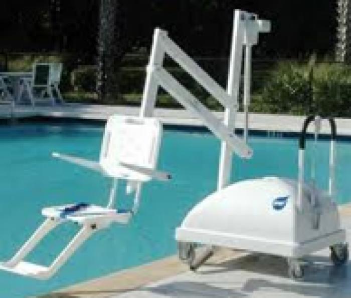 Aide technique for Leve personne piscine
